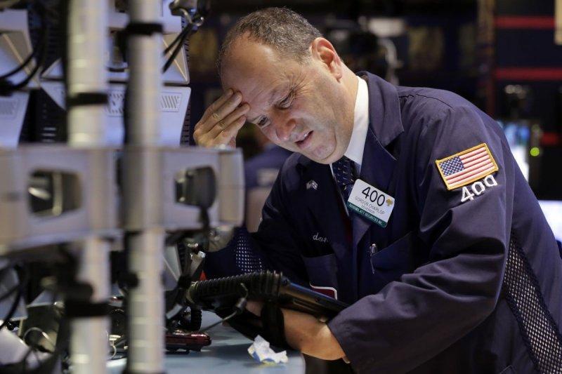 希臘財政面臨崩潰 歐美股市29日崩盤(美聯社)