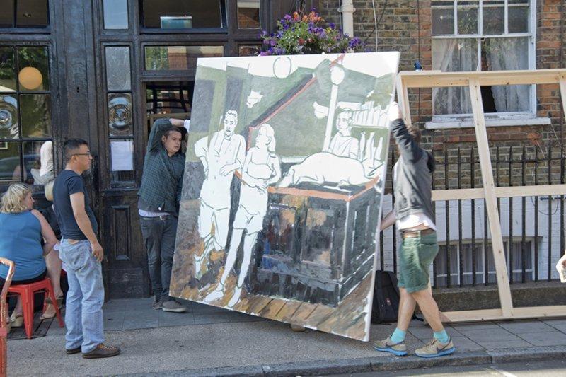中國藝術家劉小東2013年與利森畫廊合作,在倫敦馬里波恩區寫生。