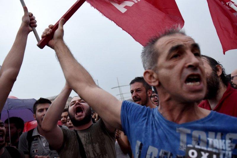 希臘公投在即,反對接受債權方協議的民眾集結示威(美聯社)