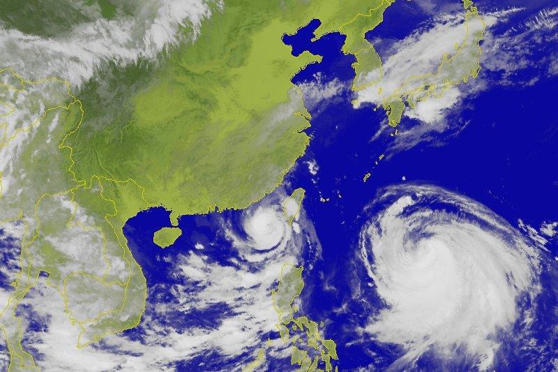 昌鴻、蓮花颱風衛星雲圖