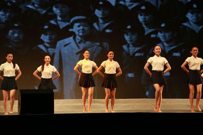 聚合各民族少女,中國打造「五十六朵花」偶像團體。(新華網)