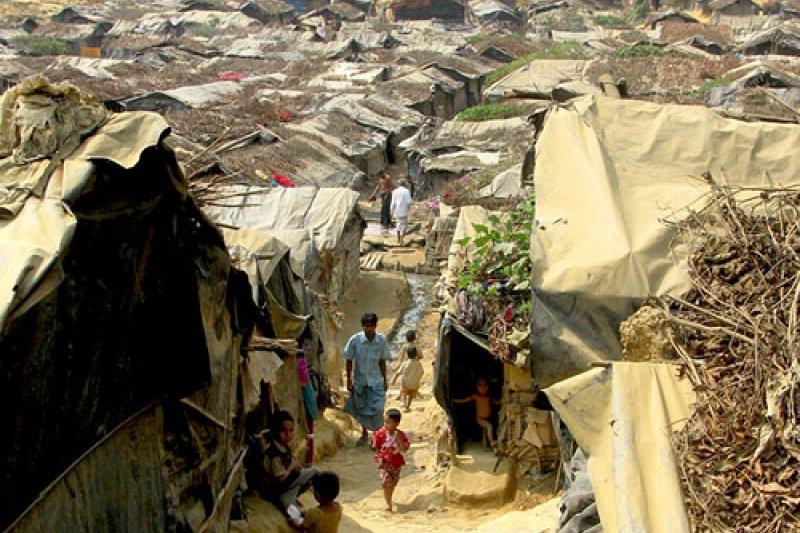 同時是「孟加拉人」和「緬甸公民」,兩國卻都不承認他們是自己人