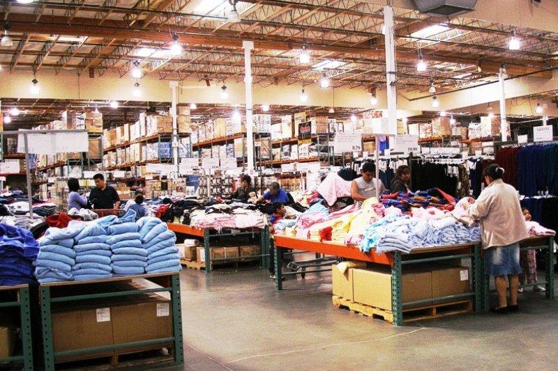 根據日本連鎖店協會調查,2014年連鎖超市的整體營業額只剩13兆日圓,相較1997年顛峰慘跌23%。(取自維基百科)