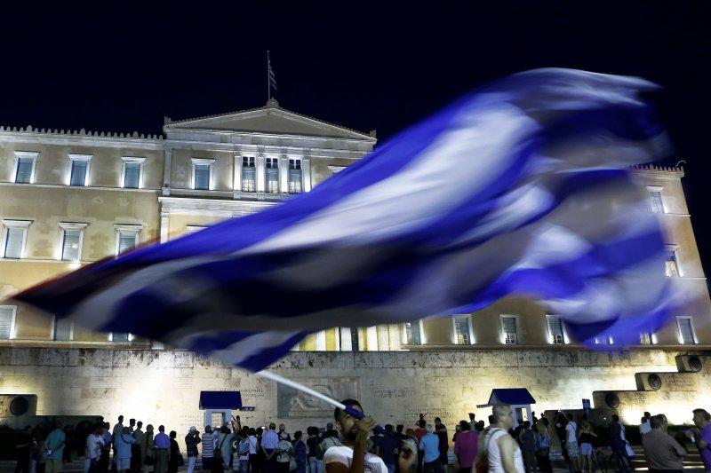歐元區峰會終於對解決希臘危機達成協議,但未來仍是困難重重。(美聯社)