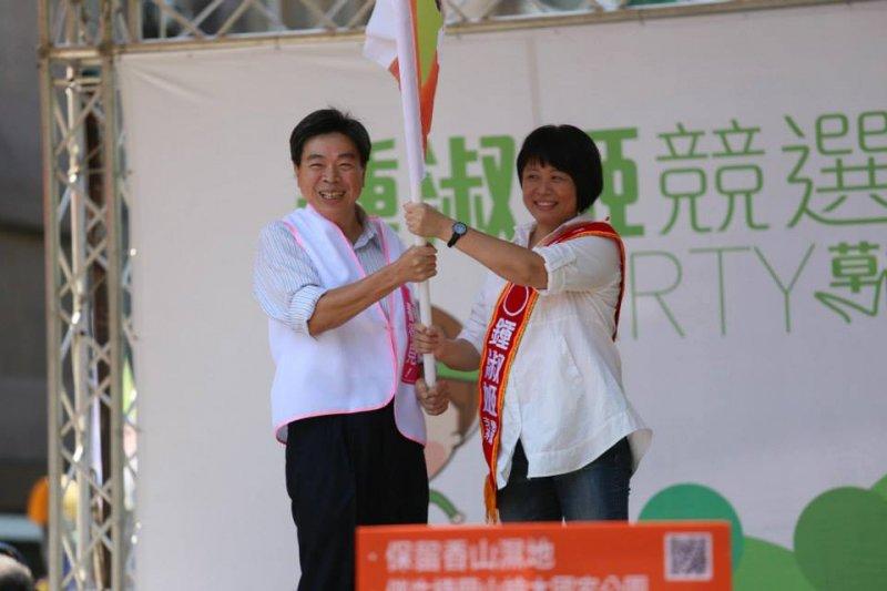 劉俊秀(左)和鍾淑姬(取自鍾淑姬臉書)