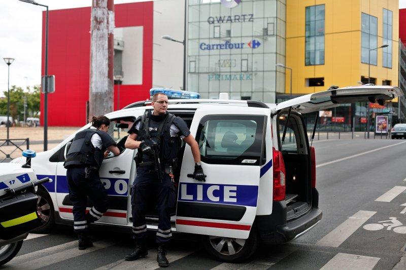 法國Primark挾持人質案。(美聯社)