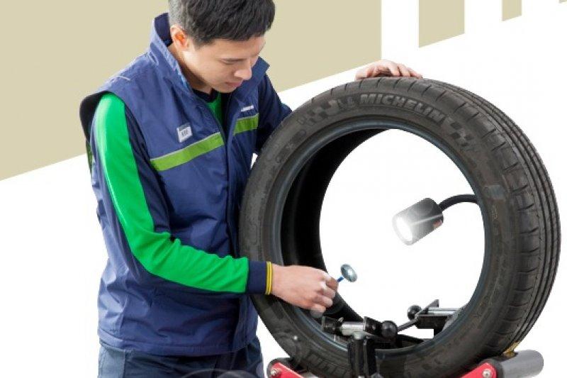 輪胎需定期保養及調整胎壓,米其林建議,若為使用5年以上的輪胎,每年至少前往專業經銷商檢查1次。(取自米其林)