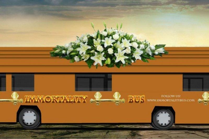Zoltan Istvan 的長生不朽競選巴士。(取自 Businessindisdr.com)