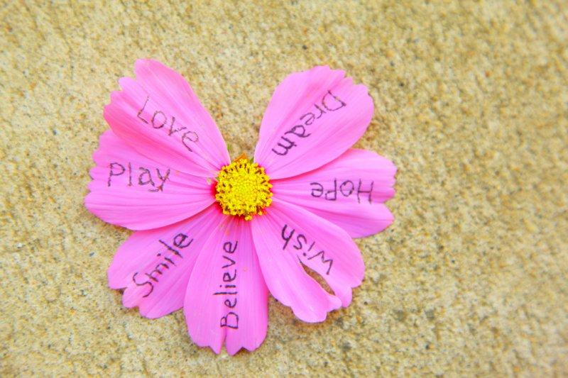 壓力經常沒有明顯病徵,因此常不自覺或被忽略(圖/Pink Sherbet Photography@flickr)