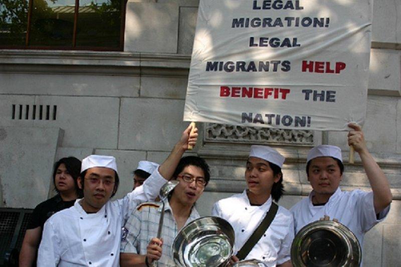 倫敦的中國廚師抗議移民政策 (白曉紅 攝)