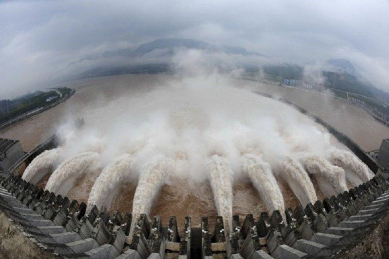 三峽大壩成了中國政治的隱喻。(美聯社)