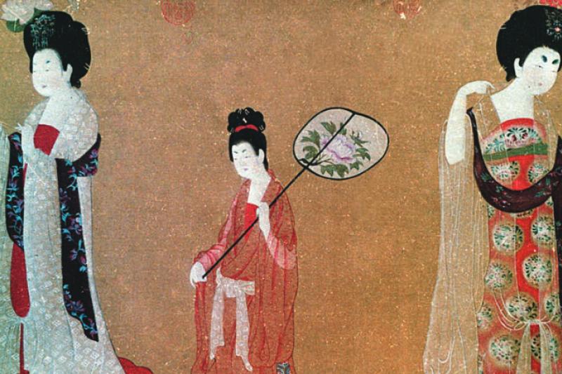 中國古代女子的妝飾,到了唐朝簡直登峰造極。唐代女子追求時尚堪稱全方位,除了前衛的衣著,妝容上, 「眉」、 「唇」、 「頰」更是百變,連額頭也不忘貼以繽紛妝飾展示風華。