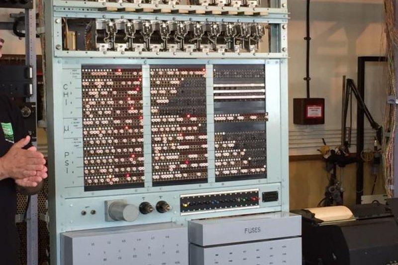 二戰時用來解碼的運算電腦。(取自推特)
