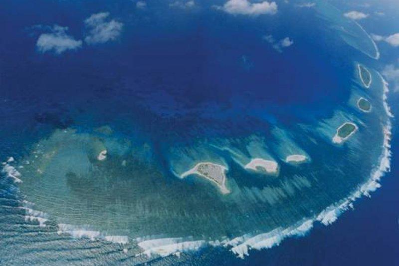 西沙群島爭議不斷,主體由永樂群島和宣德群島組成,海岸線總長518公里。(擷取自中國評論新聞網)