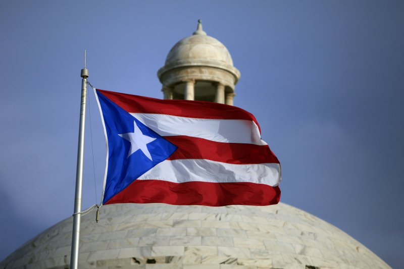 在聖胡安飄揚的波多黎各旗幟。(美聯社)
