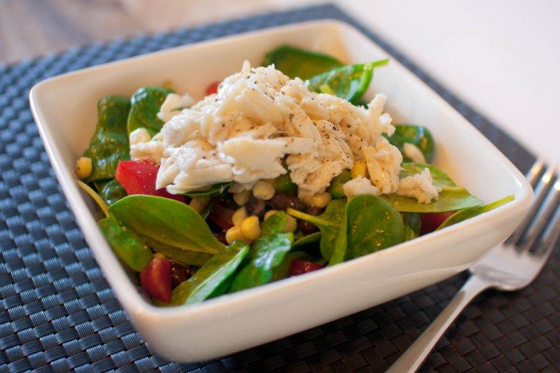 沙拉代餐真的能減重嗎?小心醬汁是隱藏殺手(圖/flickr@Bobbi Bowers)