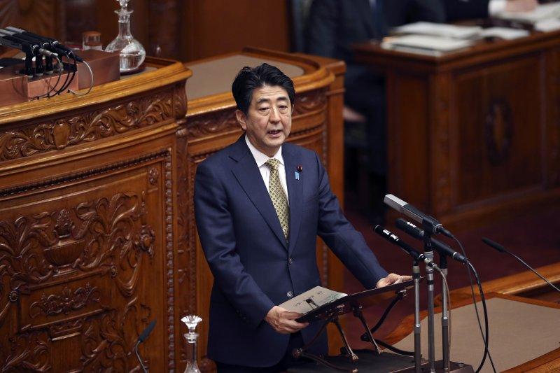 日本首相安倍晉三將於14日發表二戰結束70年談話,倍受外界矚目。(美聯社)