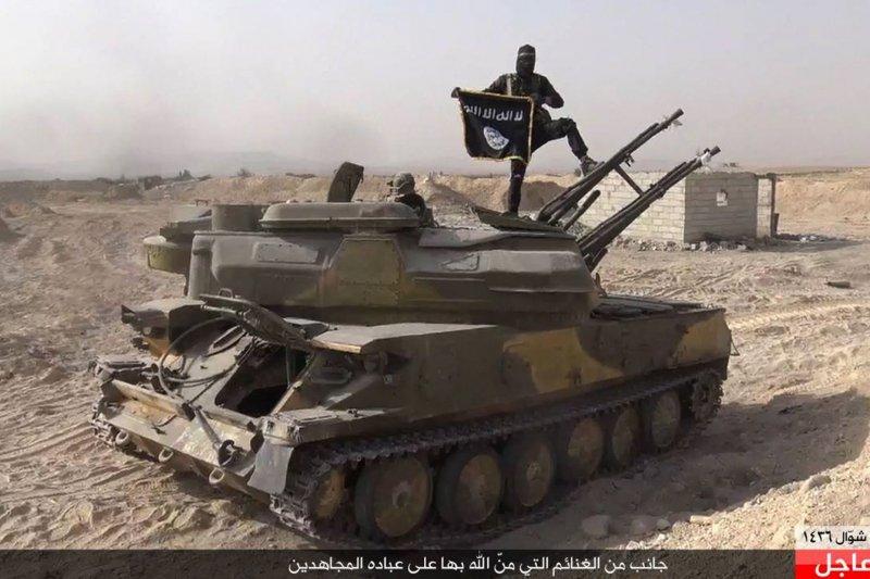 美聯社披露,伊拉克前領導人海珊的許多舊部現已成為伊斯蘭國的高階領導人。(美聯社)