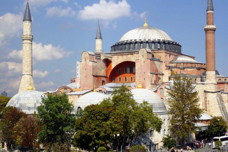聖索菲亞大教堂的外觀。(圖/ 時報出版提供)