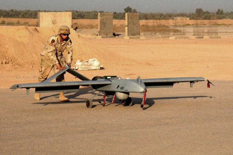 「美台年度國防檢討會議」中,台灣向美爭取獲得無人機等有利於不對稱作戰的武器。圖為美軍RQ-7A無人機。(取自維基百科)