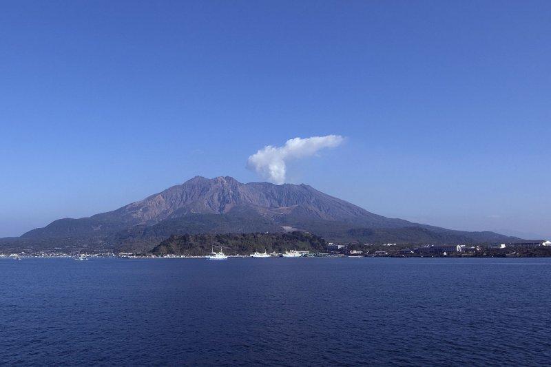 遠眺櫻島。(維基百科)
