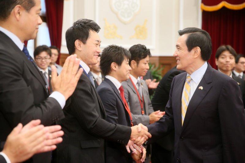 馬英九總統18日接見日本自民黨青年部青年局訪華團。(總統府)