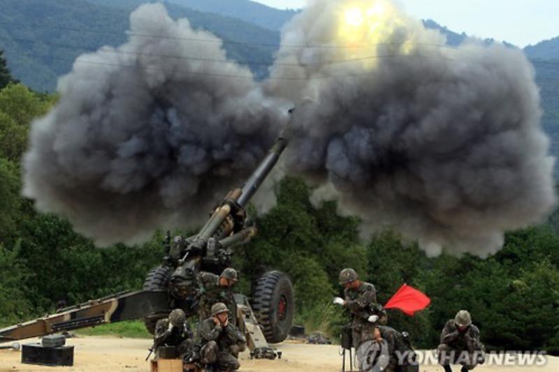 南韓20日遭北韓火箭砲攻擊,南韓立刻發砲還擊。