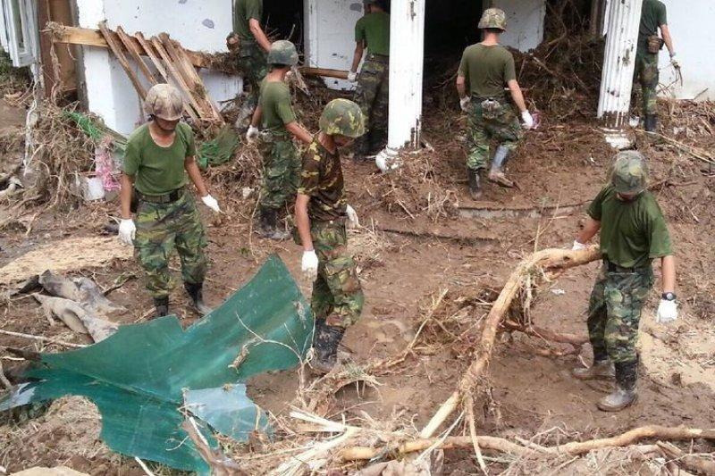 風災過後,國軍必然投入救災復建。(取自國防部發言人臉書粉絲頁)