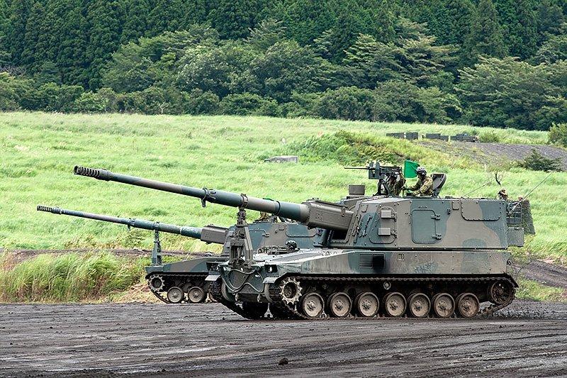 99式155mm自走榴彈砲。