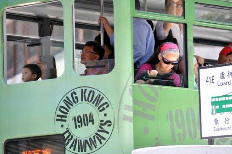 電車的慢給予人思考沉澱的空間。(BBC中文網)
