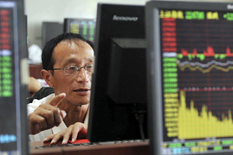 今年以來,上證指數是表現較好的前10大股市指數(美聯社)