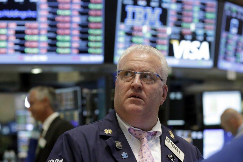 財經領袖示警全球經濟烏雲籠罩,特別是英國脫歐與中國走緩是最大的風險。(資料照片,美聯社)