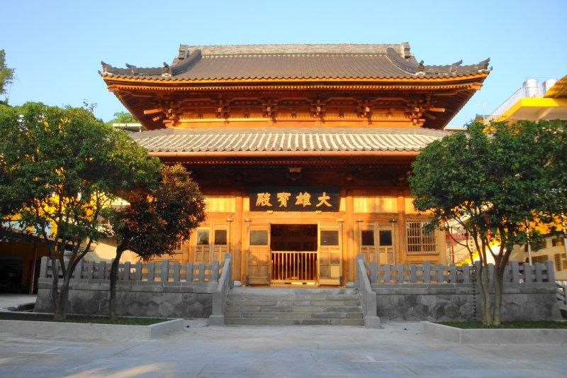 不需要離開臺北,也能探訪古老的日式寺廟喔。(圖/維基百科)