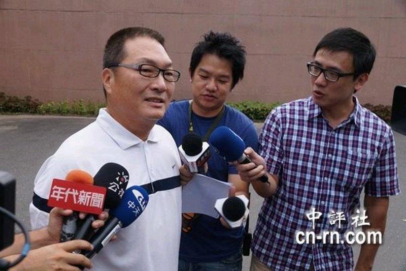 王又曾車禍喪命,王令麟(左)發聲明表示,天下無不是的父母。(資料照,中評社)
