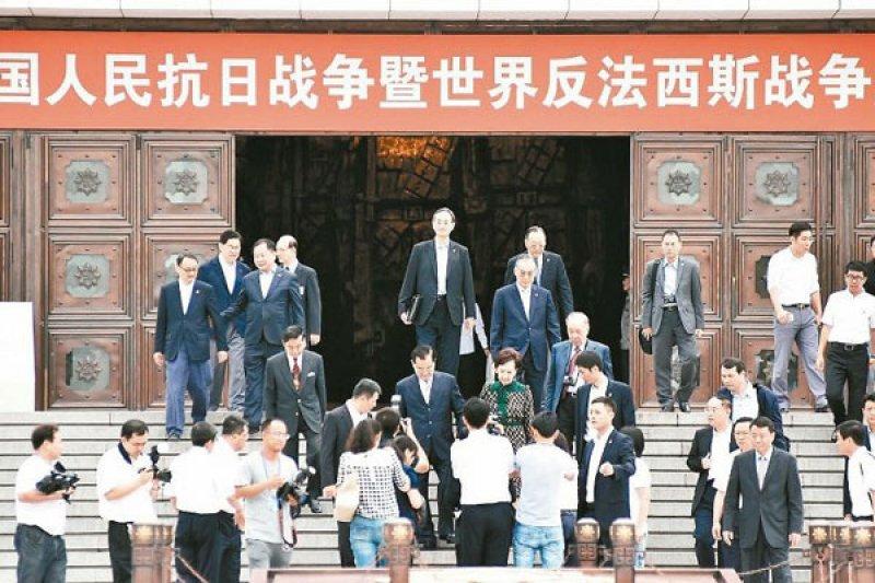 連戰訪北京。