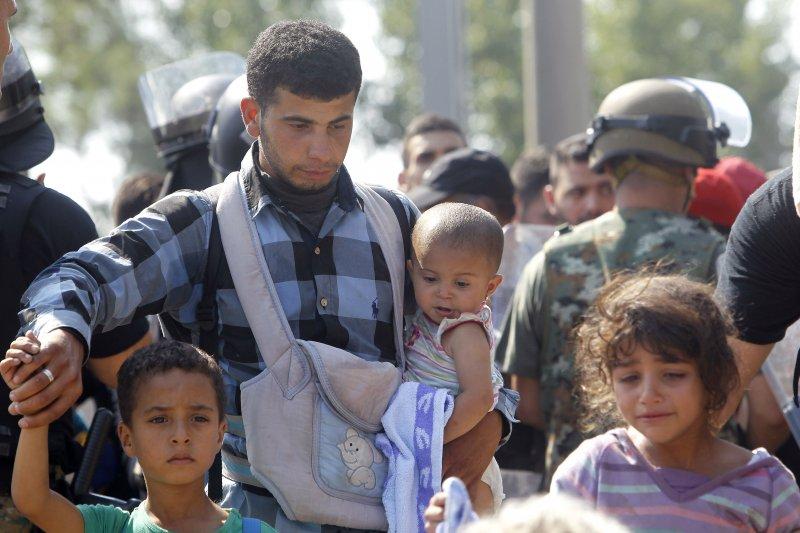 前仆後繼前往歐洲的難民。(美聯社)