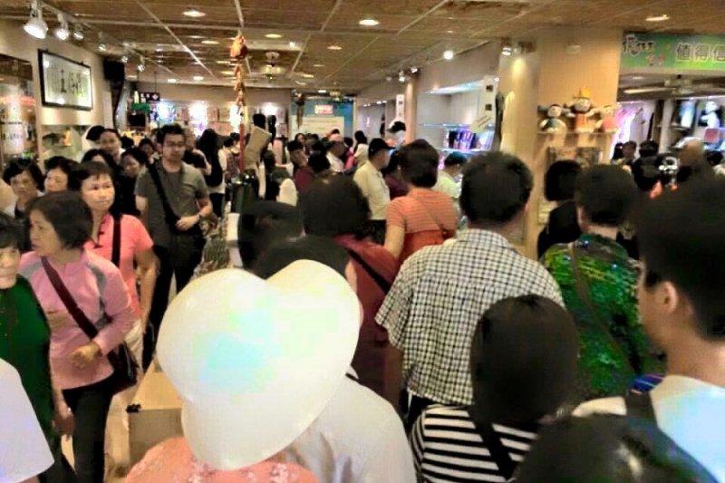 中國官方自8月1日起,停發陸客來台自由行通行證。對此,陸委會31日表示深表遺憾。(資料照,取自陸客來台自由行導遊家族)