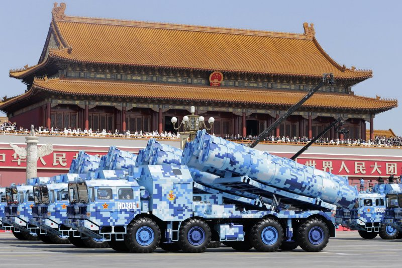 中國九三大閱兵,岸艦飛彈方隊(美聯社)