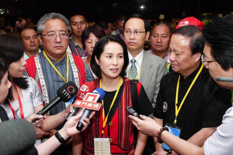 高金素梅前往中國閱兵引起藍綠政黨痛批,原住民團體也直呼:「她不是原住民代表!」。(取自 高金素梅臉書)