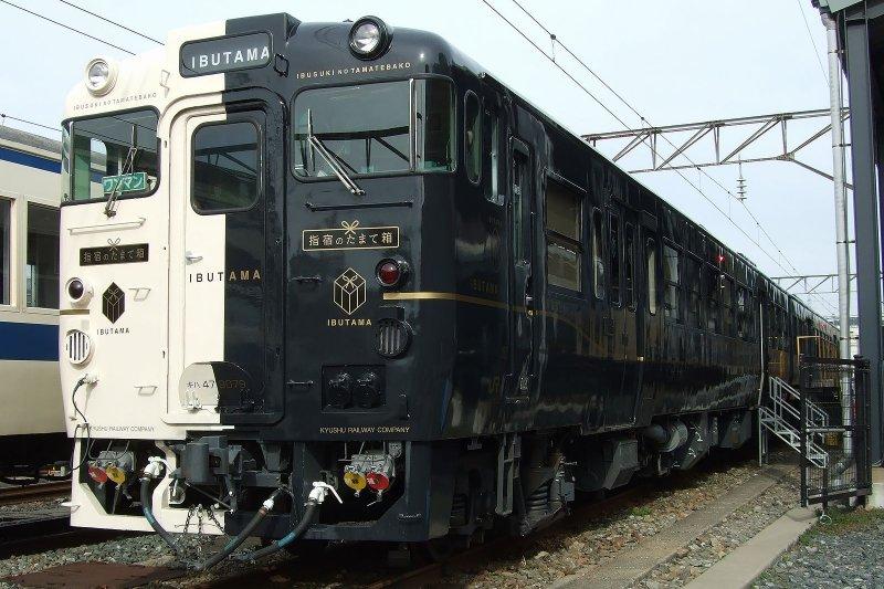 九州鉄道記念館中的火車(圖/wikimedia commons)