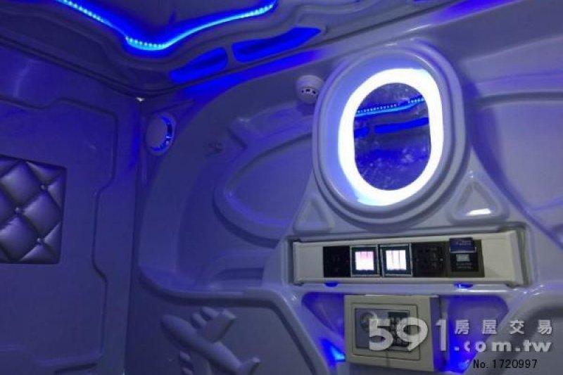 太空艙床位內部。(圖片取自591租屋網)