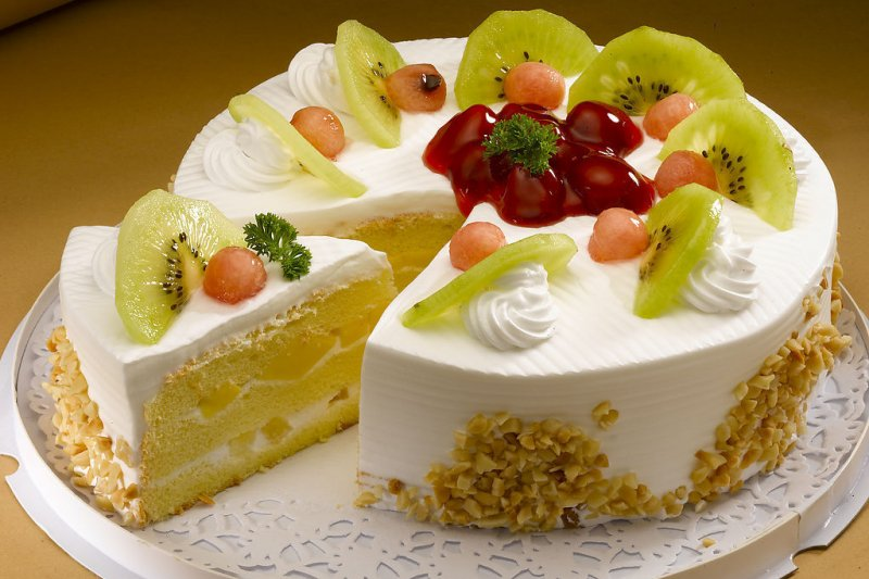 美味的蛋糕令人難以抗拒,但是反式脂肪的陰影也揮之不去。(網路截圖)