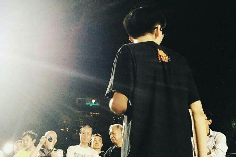 成立「學民思潮」的時候,黃之鋒十五歲。今年他十八了。(圖片來源:Sze Man Chin/黃之鋒臉書)