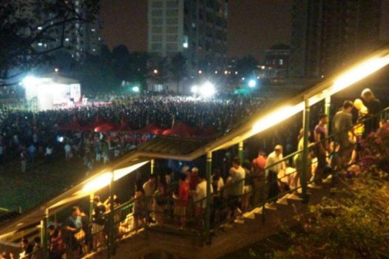 新加坡民主黨在9月9日舉行最後一場競選大會,吸引不少民眾前來。(BBC中文網)