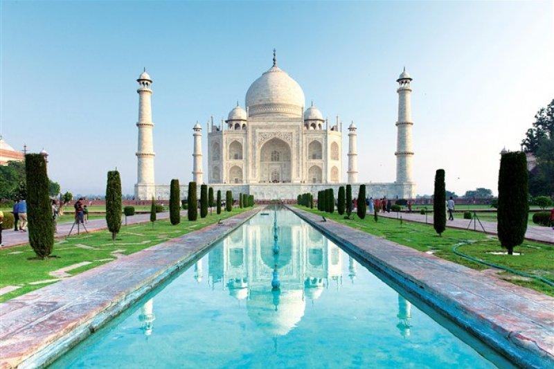 史上最美的建築物「泰姬瑪哈陵」,是沙賈罕大帝為妻子撰寫的世紀情書。(圖/shutterstock)