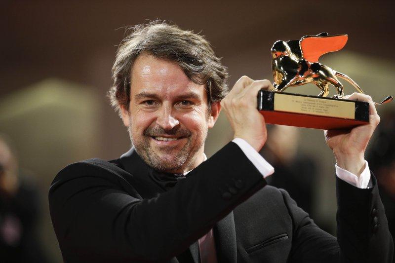 本屆威尼斯影展金獅獎得主導演羅倫佐維加斯。(美聯社)