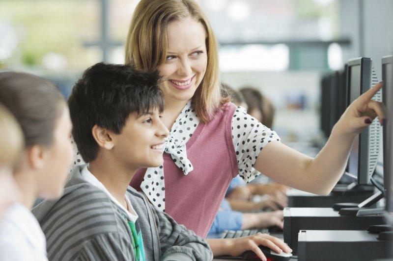 電腦教育(取自網路)
