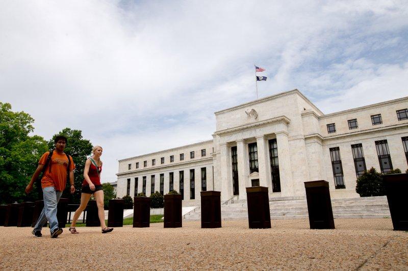 「非常時期,要用非常手段」,2008年金融海嘯發生後,美國聯準會總共實施了三輪的「量化寬鬆」(quantitative easing,簡稱QE)貨幣政策 。(圖為美國聯準會外觀。資料照,美聯社)
