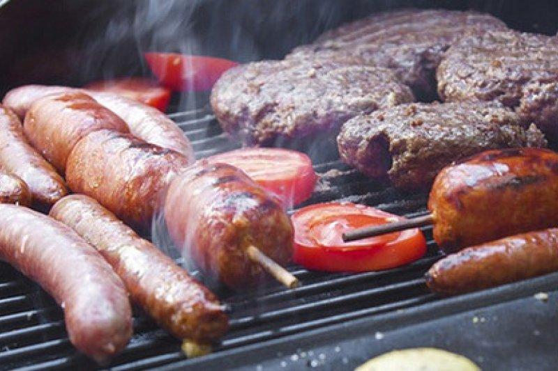 烤肉是近年來許多人過中秋的方式。(取自國發會e管家plus網站)