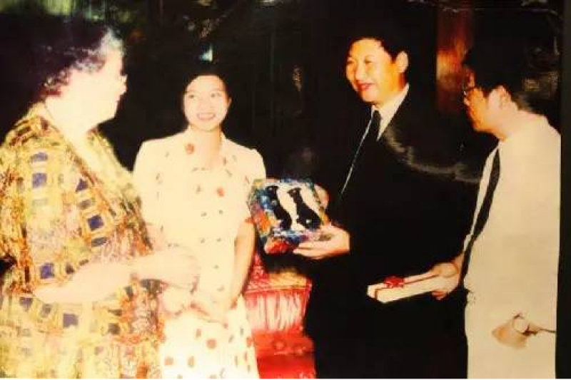 習近平1992年與加達納夫人在福州會面。